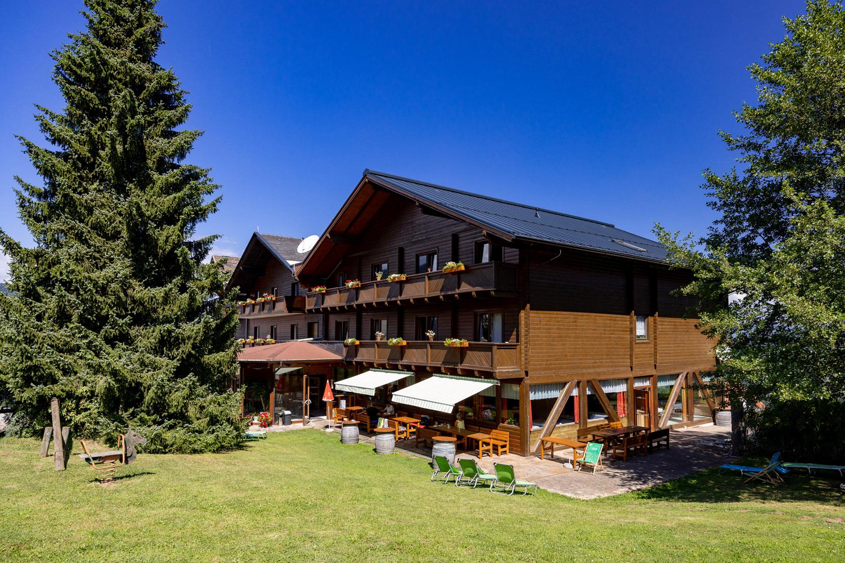 Das Naturhotel Enzianhof in Oberwald | © Naturhotel Enzianhof