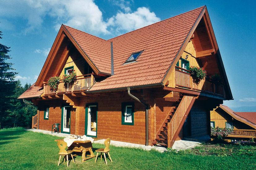 Landhaus beim Naturhotel Enzianhof | © Naturhotel Enzianhof