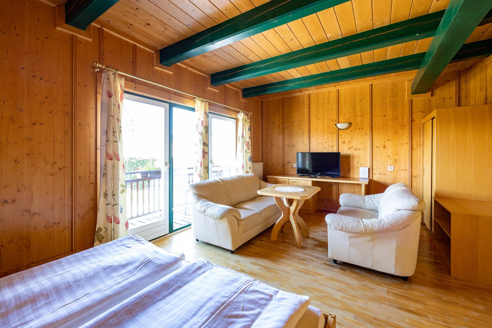 Zimmer mit Ausstattung | © Naturhotel Enzianhof